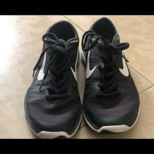 I'm selling a use pair of Nike running shoes
